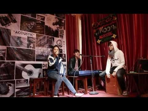 Tình Yêu Màu Nắng (LIVE) - Mờ Naive ft. Devas Moon