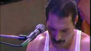 Queen - We Will Rock You And We Are The Champion (Live)