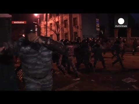 EXCLUSIVE: Euronews cameraman attacked by Ukrainian riot police during Kiev clashes
