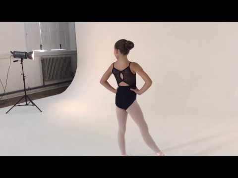 Bloch Mizar Mädchen Tanztrikot mit Schleife