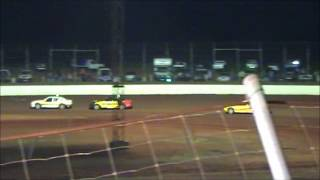 19 05 12 B Main WA Modified Sedan Championship Carnarvon Speedway videos