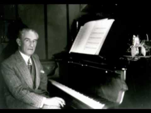 Ravel plays Ravel