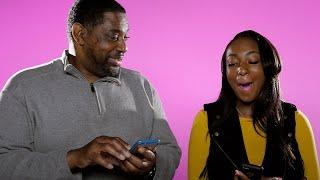 Evo kako očevi reaguju kada čitaju poruke na mobitelima svojih kćerki!
