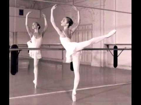 Bailarina Julia Paiva - Balé - Palavra Cantada .