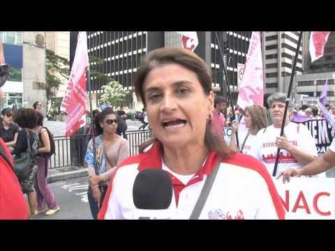 Bancárias participam da Marcha das Mulheres em São Paulo