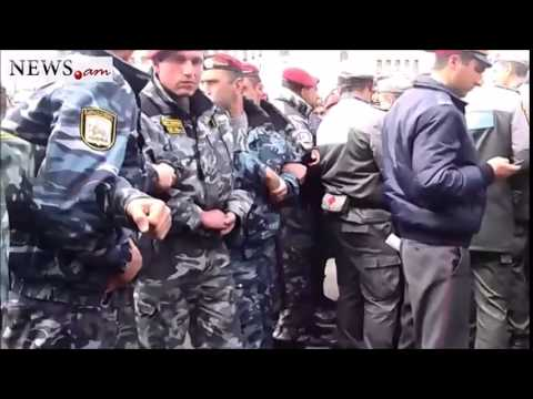 Armenian activists block street in Yerevan - Apr 9, 2014