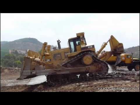 CAT D11R in up front action