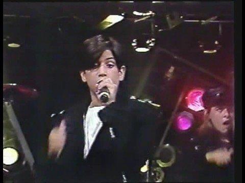 Jonathan Montenegro, MENUDO, Canta Viejos Amigos en Buenos Aires, Argentina, 1991