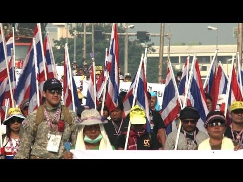 Thai protesters disrupt advance voting for disputed election
