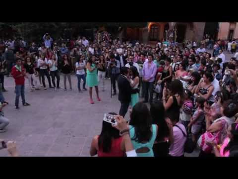 Alex's Downtown Flashmob Proposal Dancing. Music: Marry Me by Bruno Mars