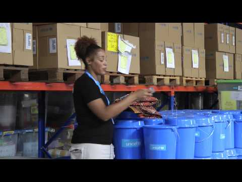 UNICEF USA: What's Inside the Blue Bucket? — Typhoon Yolanda (Haiyan) Relief