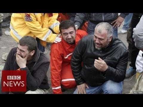 Relatives 'lose hope' after Turkey mine blast - BBC News