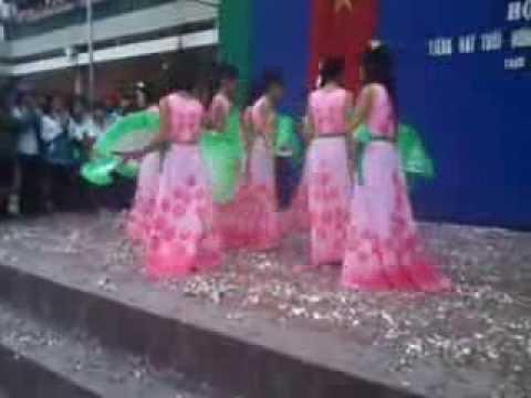 múa quạt  quê tôi  thùy chi chi đội 11a9 trường THPT TRỰC NINH