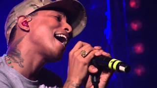 Daft Punk Get Lucky Ft. Pharrell Williams (First Live