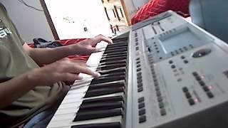 Música electrónica en teclado