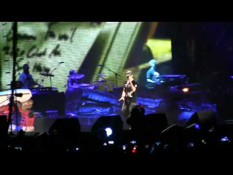 "Eminem @ Lollapalooza- ""Airplanes pt. 2"" / ""Stan"" (HD) Live in Chicago on 8-6-2011"
