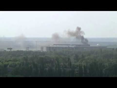 Reports of more than 30 killed in battle for control of Ukraine airport