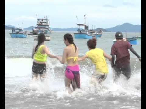 12 Cá Tính quậy tưng bừng biển Bình Định