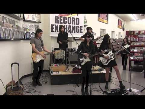 Dum Dum Girls Live Zia Records 3.9.14