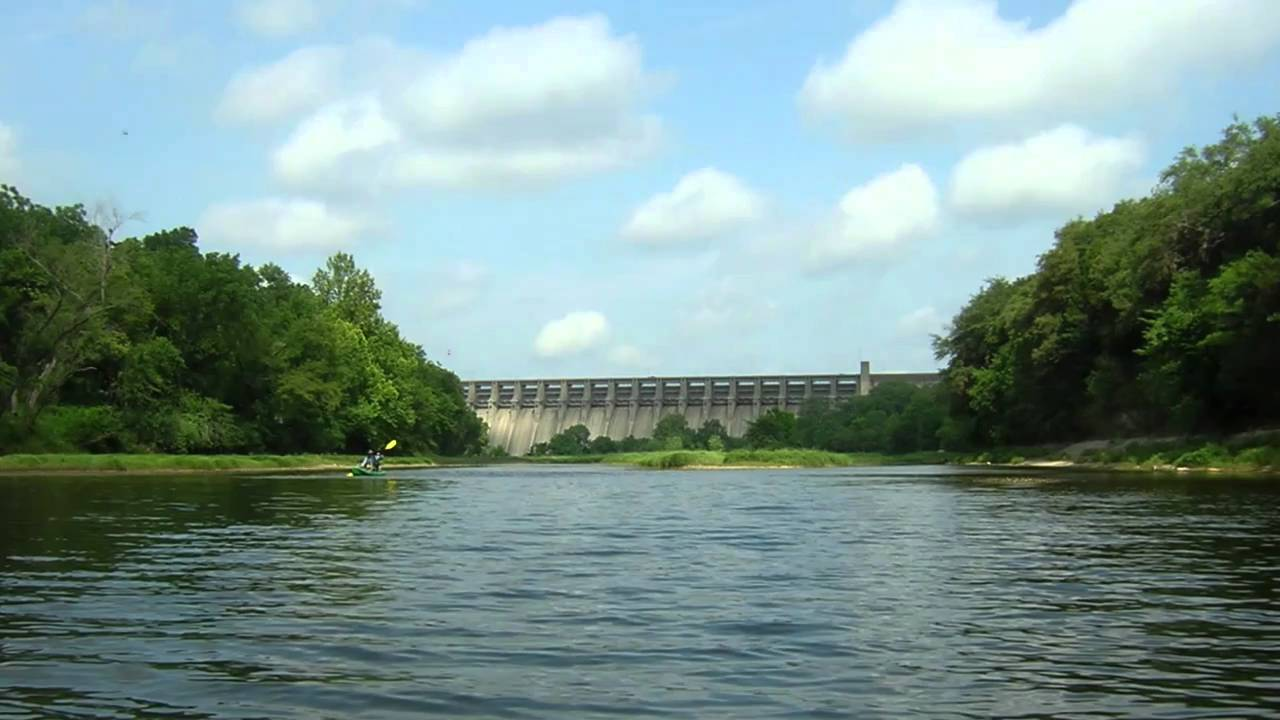 Brazos river below lake whitney youtube for Lake whitney fishing