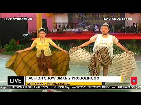 Penampilan Dari Siswi SMKN 2 Probolinggo Fashion Show