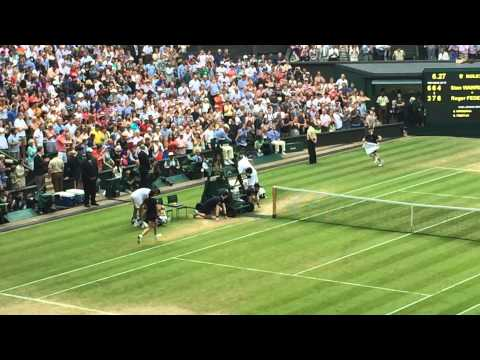 Federer wins at Wimbledon tennis 2014
