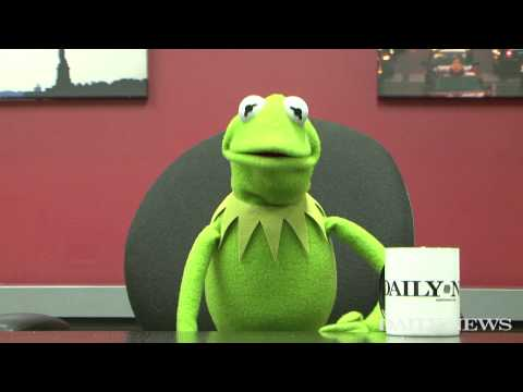 'Game of Thrones' star Rose Leslie asks Kermit the Frog a question
