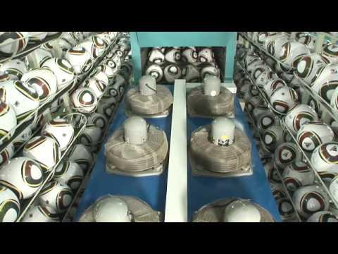 Produkcja piłek na MŚ 2010