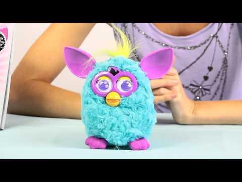 Ta zabawka mówi własnym językiem i może być złośliwa. Rodzice