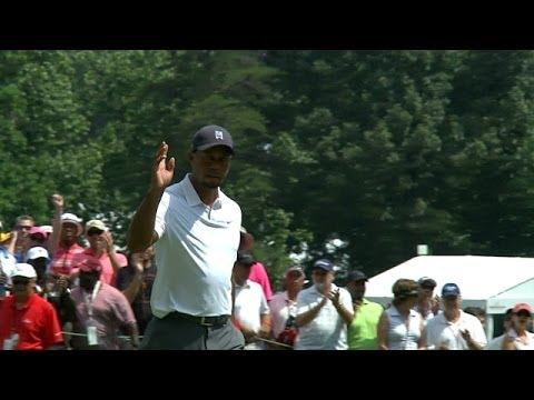 Tiger Woods cards his first birdie of the day on No. 9 at Quicken Loans