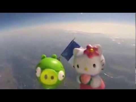 Clip - Bố giữ lời hứa, đưa đồ chơi của con ra ngoài không gian