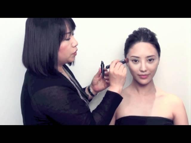 日本美妝王國SHISEIDO:輕易「掃」出秋冬日式裸妝