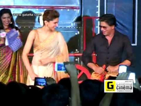 Shahrukh Khan Does Lungi Dance at Chennai Event
