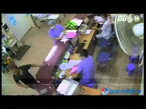 Bác sĩ Bệnh viện Bạch Mai bị hành hung