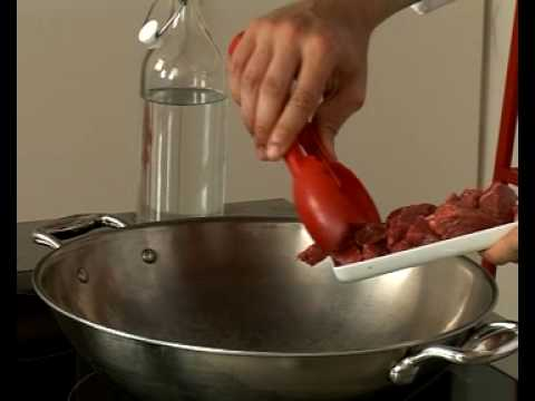Recette de wok de boeuf au paprika, riz aux poivrons rouges