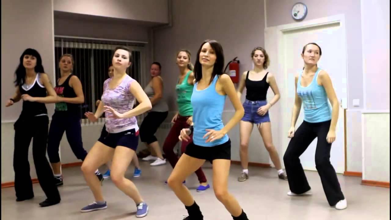 Видео танцевального урока по Реггетону (Reggaeton) в студии ДИВА. Педагог Ксения Волокитина.