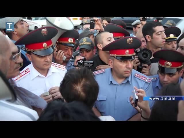 Բախում՝ ոստիկանության և «Վահե Ավետյան» շարժման ակտիվիստների միջև