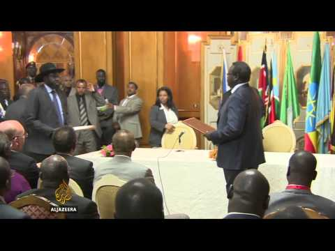 South Sudan rivals sign peace deal