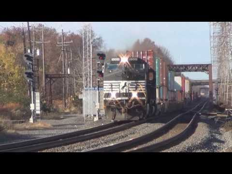 Bound Brook Railfanning 11/8/13- Crazy Foreign Power, Hornshows and More!