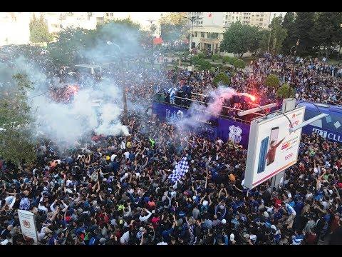 حافلة إتحاد طنجة تجوب شوارع وسط المدينة احتفالا بالفوز بالبطولة