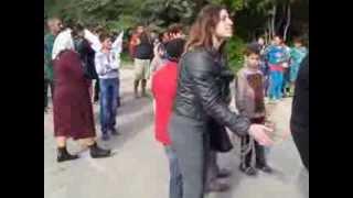 Au blocat drumul ca să salveze școala și grădinița