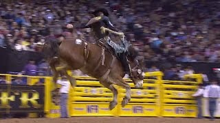 18 Year-Old Ryder Wright Gets his 5th Round Win in NFR 2016 | Round 9 | Saddle Bronc
