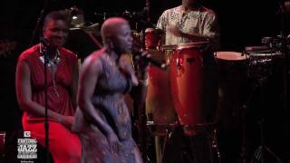 Sing the Truth! A. Kidjo, D. Reeves, L. Wrigh - Concert 2011