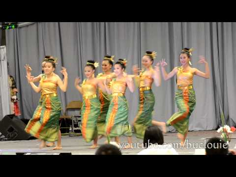 Nkauj Hmoob Hli Xiab 2 Merced Hmong New Year 2012-13