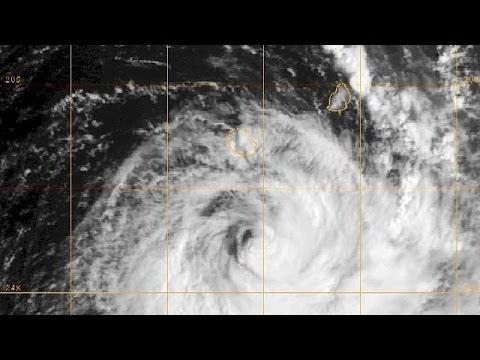 image vidéo  إعصار بجيسا يضرب جزيرة لاريونيون