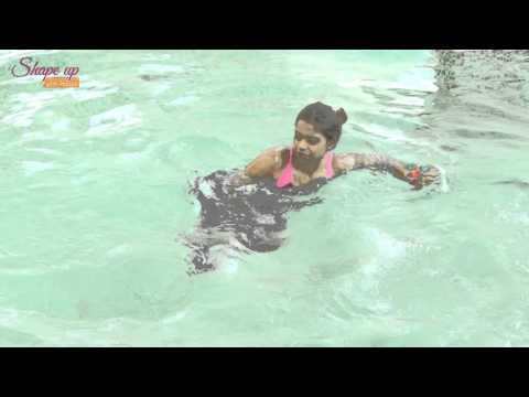 2 Power Moves to get fit in the pool - water aerobics exercises for core workout and cardio burn