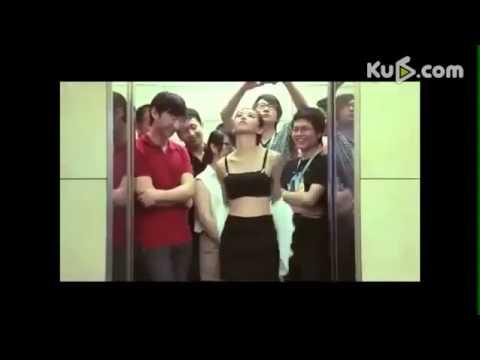 Thiếu nữ cởi đồ trong thang máy cực hot