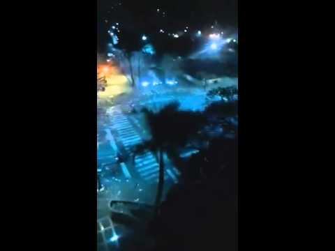 Riots In Caracas Venezuela with Gunfire February 19th 2014 @ 10:15pm Caracas time, 7:15pm PST