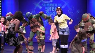 Teenage Mutant Ninja Turtles Dance Show With April O'Neil