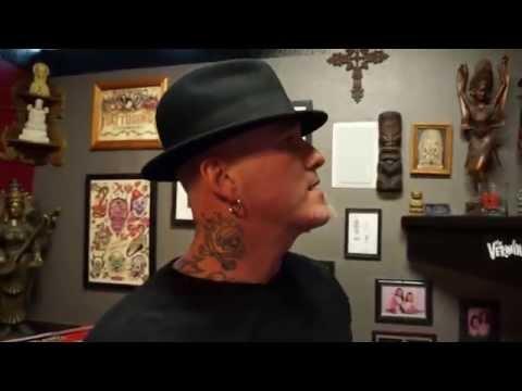 Tour at Dirk Vermin's Pussykat Tattoo Parlor